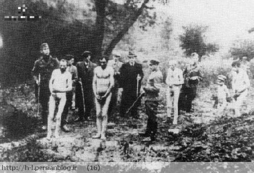 این عکس به عنوان یک مدرک برای جنایات نازی ها به کار می رود. در واقع، دو مرد مسلح یونیفورم های شوروی پوشیده اند و دیگران به افراد NKVD (پلیس مخفی سیاسی شوروی) شباهت دارند.